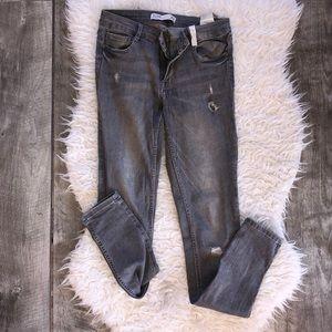 Zara TRF SIZE 6 gray skinny jeans